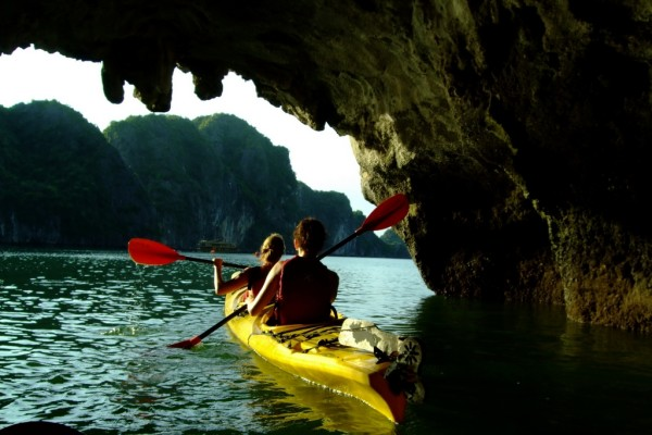 Luon Cave, Halong Bay Cruide, Vietnam Cruise