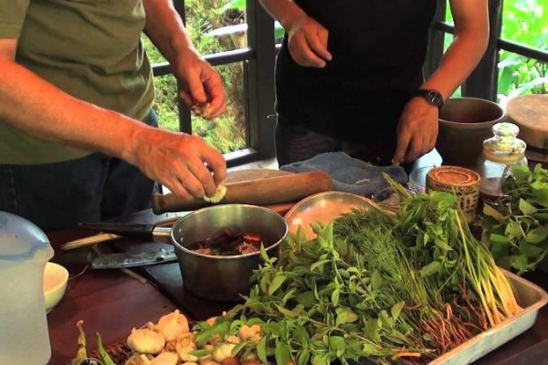 cooking class in laos