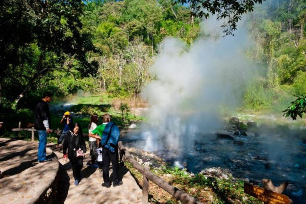 The Pa Pae Hot Spring, Travel Guide, Tour