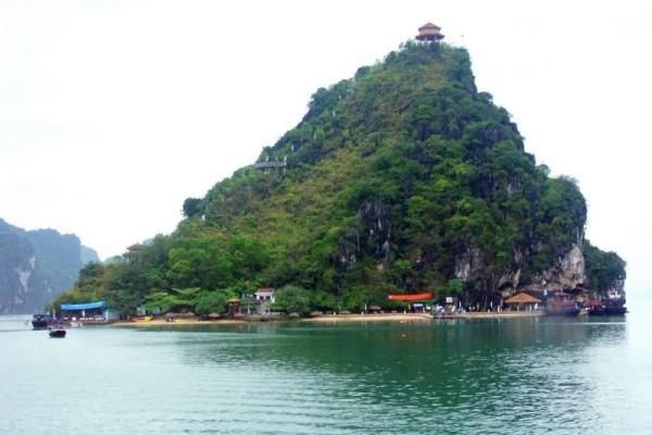 Titop, Island, Halong Bay
