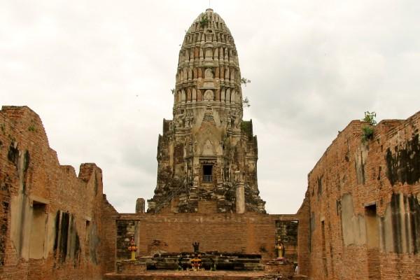 Wat Mahathat, Thailand, Tour