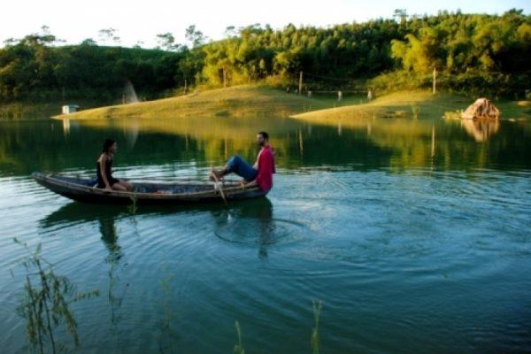 Vu Linh travel, travel to Vietnam