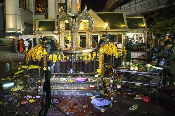 Erawan Shrine Temple, Bangkok, Thailand