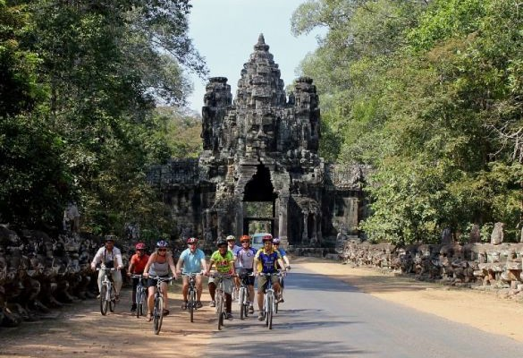 Angkor Temples Complete by Bike