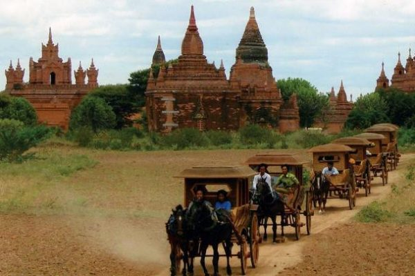 Mt Popa, Bagan, Myanmar