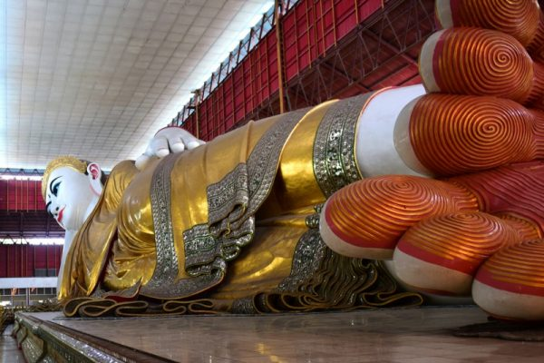 Chaukhtatgyi Temple, Yangon, Myanmar
