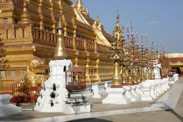 Shwezigon Pagoda, Bagan, Myanmar
